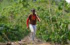 Lavrador divide rotina entre o campo e trabalho missionário