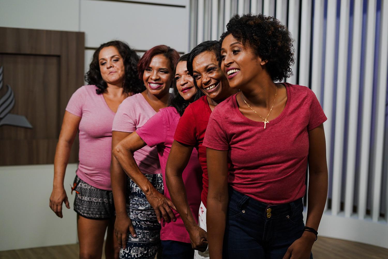 As mulheres participaram de uma sessão fotográfica. (Foto: Arthur Henrique)
