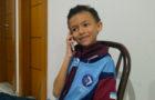 """Crianças criam """"call center"""" para conversar e orar por famílias"""