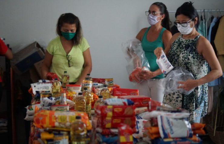 Igreja arrecada 1 tonelada de alimentos por semana, em Jequié