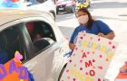 Drive-thru possibilita reencontro rápido e seguro entre alunos e professores