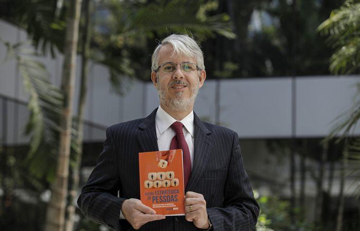 RH da sede sul-americana adventista inspira livro sobre gestão de pessoas