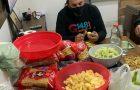 Jovens se mobilizam para alimentar e aquecer moradores de rua em Paranaguá