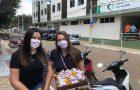 Colaboradores de hospital são surpreendidos com gesto de voluntários