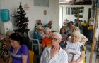 Músicos atendem idoso que pediu coral e culto de presente de Natal