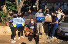 """Jovens entregam """"carta de Jesus"""" para profissionais de saúde em São Paulo"""