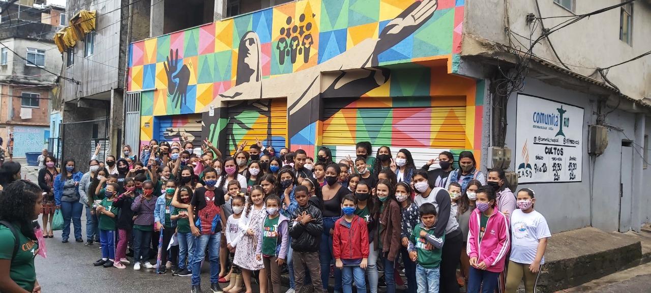 Rocinha: projeto comunitário é grafitado na maior favela do Brasil