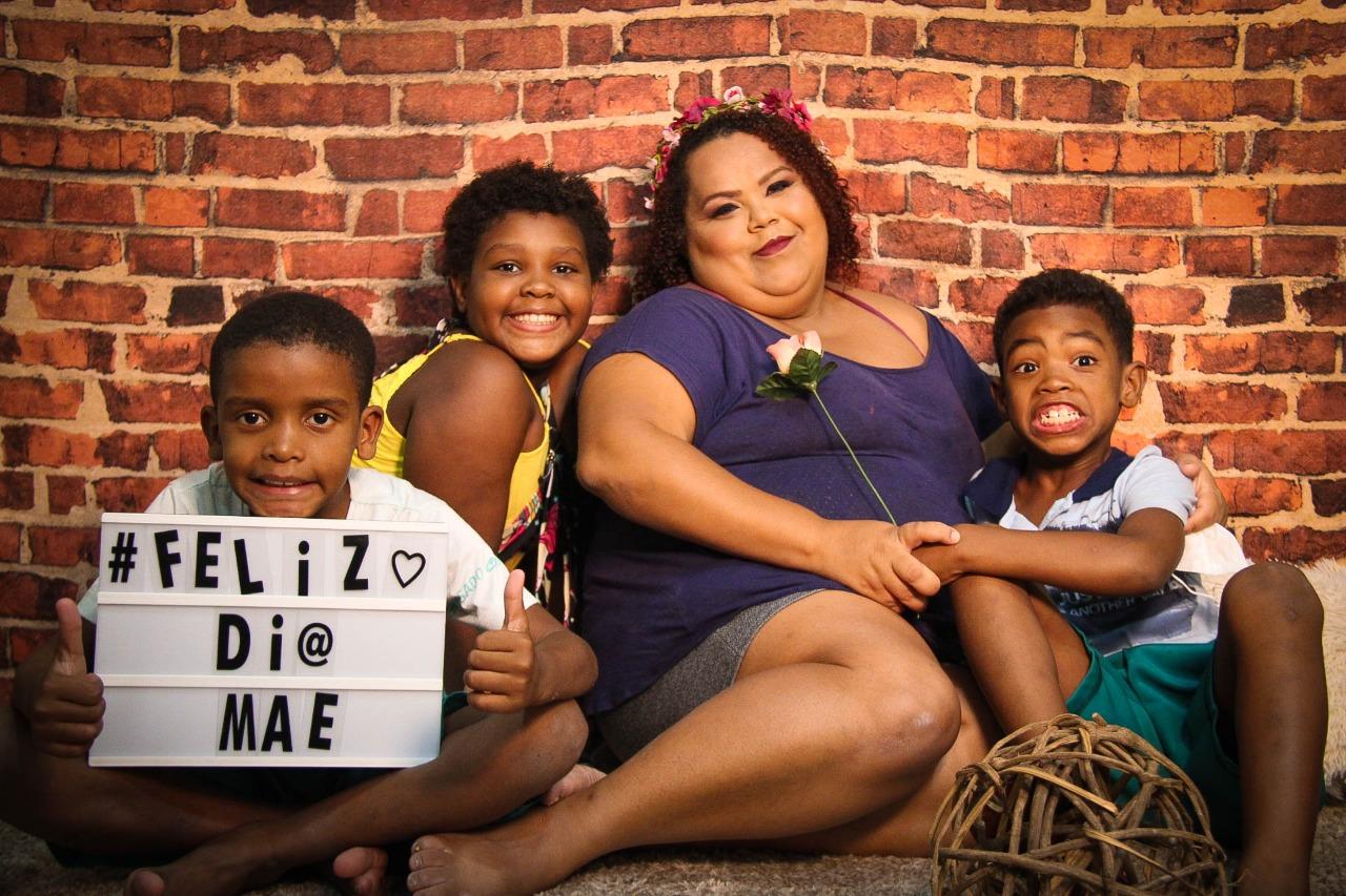 Projeto CASA Esperança faz ensaio fotográfico com mães carentes no Rio