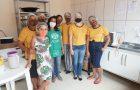 Cozinha Solidária distribui alimentos para pessoas de baixa renda
