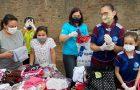 Jovens Adventistas de Canoas distribuem cestas básicas para famílias carentes