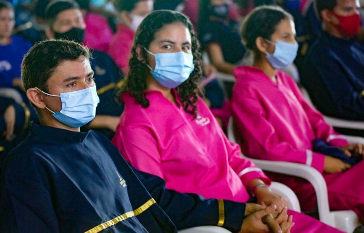 Caravana Novo Tempo celebra batismos no Amazonas