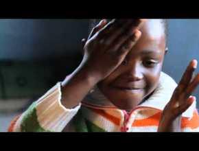 Cuento para niños: Bajo el árbol – Misíon Adventista – 3º Trimestre