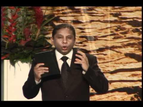 Evangelismo vía satélite con pastor Luís Gonçalves