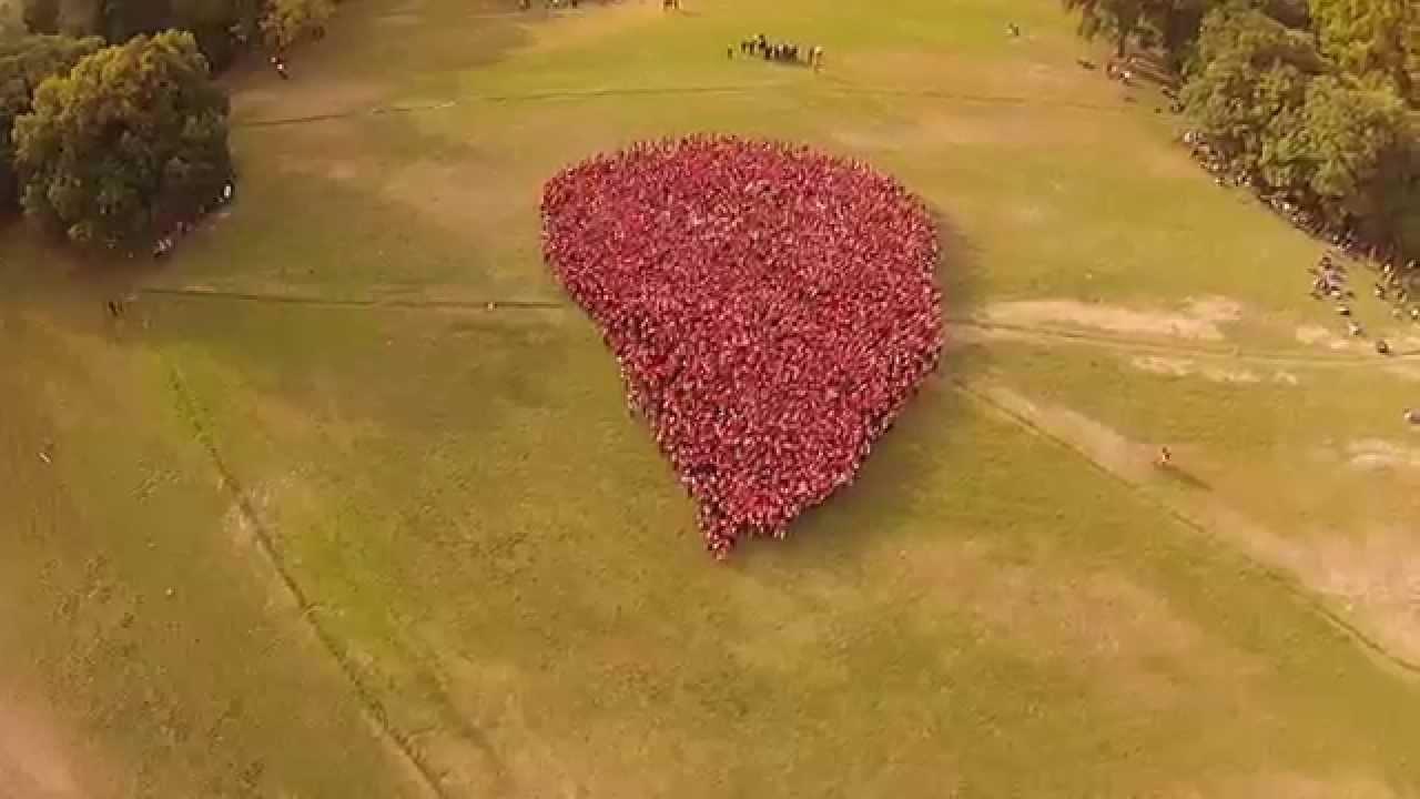 3500 Jóvenes forman gota gigante más grande de Argentina