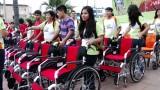 Jóvenes Caleb donan sangre y sillas de ruedas – 6to Reportaje