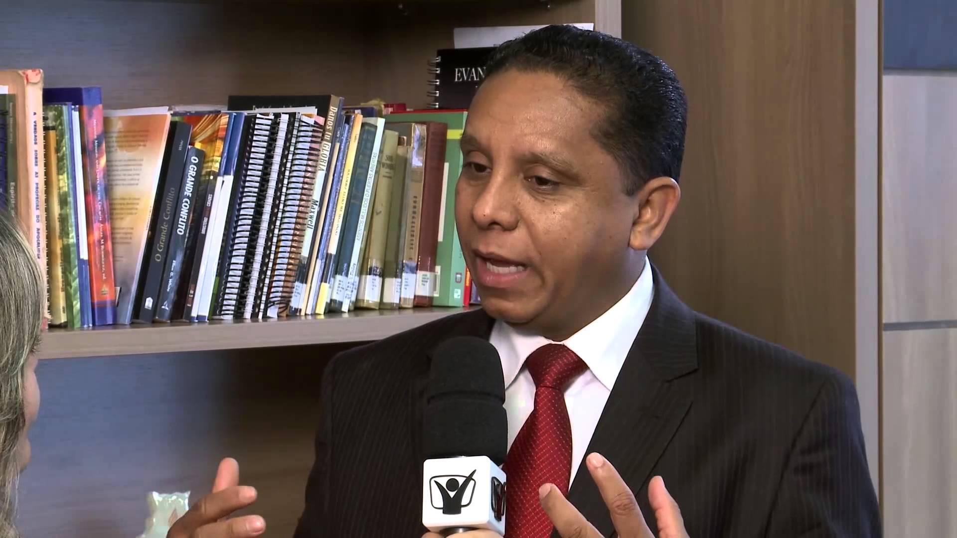 Notícias Adventistas – Evangelismo via satélite – Pastor Luís Gonçalves
