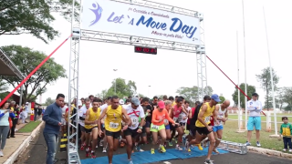 Corrida Lets move day