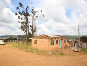 Família vítima de tornado recebe ajuda da IASD Juvevê e ADRA Brasil