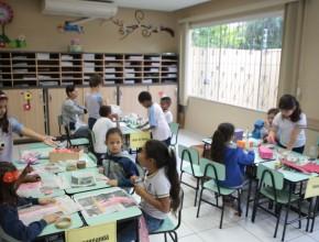 CAIT – Alunos ensinam sobre reciclagem a estudantes de escola pública