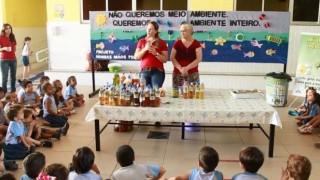 Reportagem – Crianças reaproveitam óleo para fabricar sabão
