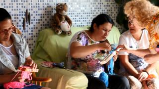 Mulheres promovem curso de artesanato para alcançar comunidade e estudar a Bíblia
