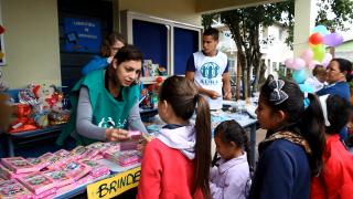 Projeto social ajuda comunidade por meio de doações e serviços gratuitos