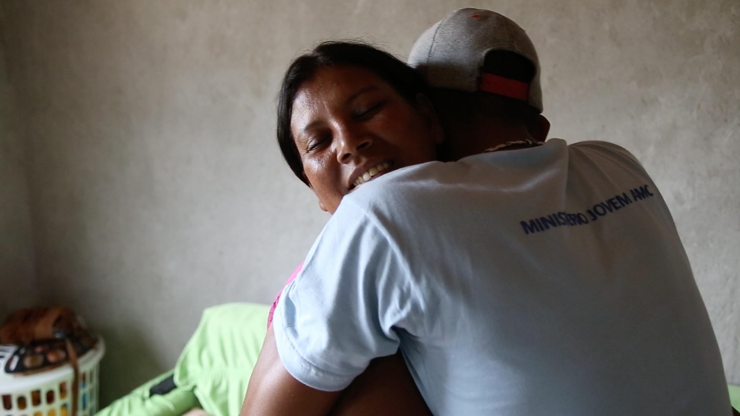 Reportagem/TV Novo Tempo: Jovens calebes ajudam mãe a reencontrar filho