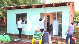 Família carente de Ijuí tem casa reformada por voluntários