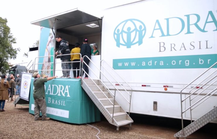 Agência humanitária adventista apoia atingidos por enchentes no RS