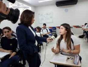 Alunos escrevem cartas para presidiários – RPC (Globo Paraná)