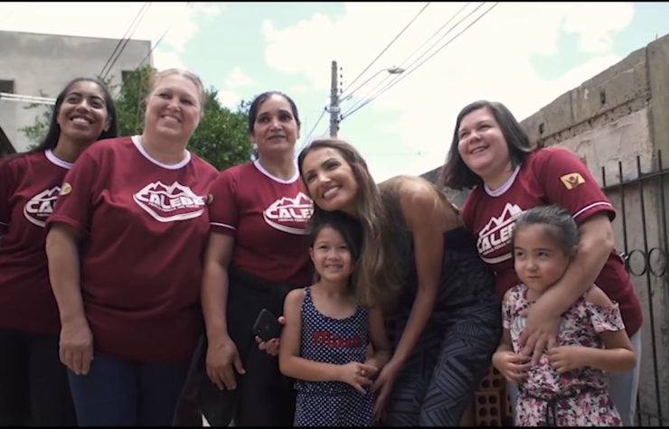 Jornalista Patricia Poeta acompanha ações dos Calebes em Curitiba