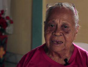 Aos 81 anos ela continua construindo igrejas