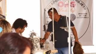 Reportagem | TV Novo Tempo: Fábrica de BH confecciona perucas apenas para doação