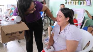 Na Mídia | Voluntários adventistas acolhem idosos e crianças especiais no Dia das Mães