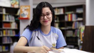 Aluna de Maringá fica em segundo lugar em etapa estadual de concurso de cartas