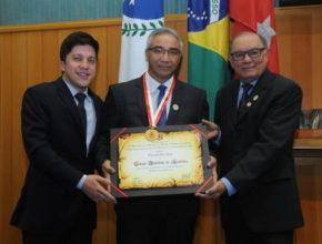 Colégio Adventista de Londrina recebe Comenda Ouro Verde