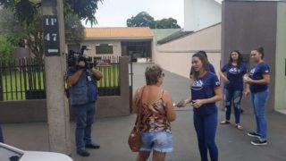 Calebes fazem armadilha contra a dengue e comedouros para cães de rua