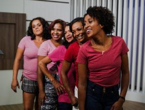 Moradoras de rua ganham dia de beleza no Espírito Santo