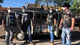 Voluntários arrecadam 400 cestas de alimentos em parceria com moto clubes (RIC)