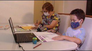 Jornal Nacional – Idosa aprende a ler com aulas virtuais de Colégio Adventista