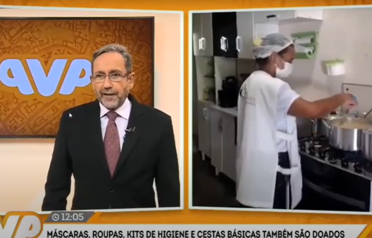 TV Aratu (SBT) / Desde 1999, Edleuza cozinha e doa marmitas para moradores de rua
